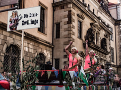 Dixieland-Parade Dresden 2016 (Thomas Kriehn Photography) Tags: street city music streetart color germany deutschland dresden town cityscape outdoor candid saxony streetphotography jazz olympus parade sachsen stadt 365 musik farbe allemagne saxophone bunt omd dixieland photooftheday mft inthestreets project365 fotodestages 365days em5 365daysproject 365tage strasenfotografie 3652015