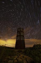 ABD AL RAMHAN III (40 fotos apiladas  en star trail, SOOC excepto ajustes de contraste) (Santi Salinas) Tags: nightphotography alone nocturnal nocturna navarra circumpolar