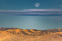 Golden Hills + (Moon x Clouds) = California Dreamin' (pixelmama) Tags: california moon clouds landscape moonset vistapoint interstate5 goldenhills pixelmama goldenhillsmoonxcloudscaliforniadreamin pattersonca95363 waning972