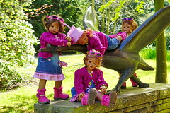 Kindergartenkinder ... (Kindergartenkinder) Tags: dolls himstedt annette ilce6000 sony essen park gruga kindergartenkinder milina sanrike tivi annemoni kind personen outdoor