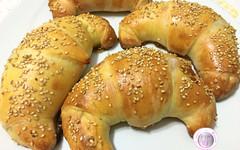 Ricetta cornetti salati pomodoro e mozzarella (RicetteItalia) Tags: food finger cucina ricette cornetti