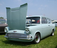 FORD ANGLIA SUPER (shagracer) Tags: 105e 4078vw