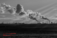 Sunset (Thoober) Tags: sky bw sun industry clouds contrast canon eos blackwhite sand sonnenuntergang outdoor smoke himmel wolke sw tamron sonne outddor 70d 150600