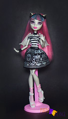 Rochelle Basic (PurpleandOrangeMH) Tags: rochelle basic soll mueca monster high punta arenas chile orange purple freak du chic ghoul chat haunted scaris zombie shake ghouls night out