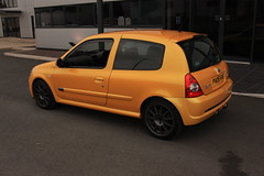 LY 182 27-06-16 010 (AcidicDavey) Tags: yellow clio renault liquid 182 renaultsport