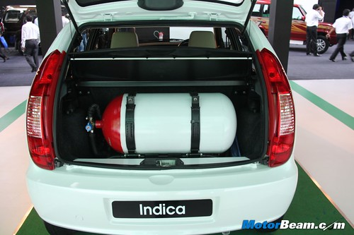 2013-Tata-Indica-CNG-Cylinder