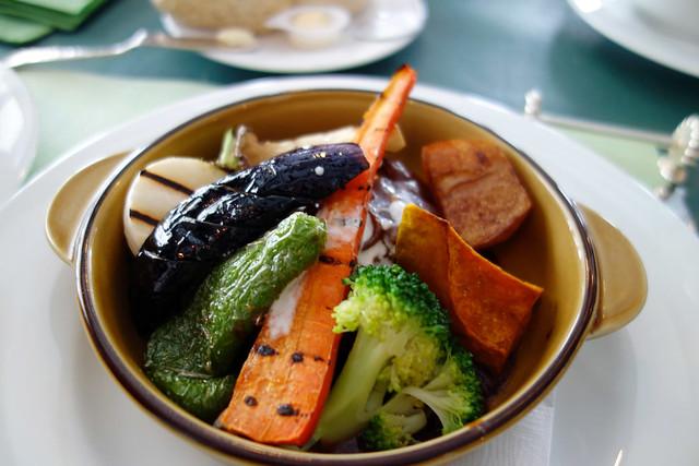 清里高原プチホテル&レストラン オールドエイジの煮込みハンバーグが寒いほどお得フェアで半額にの写真