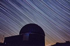 rotation ciel  et obs f (Jo 0405) Tags: lightpainting lune soleil hiver astro telescope galaxies messier toiles milkyway observatoire canigou astronomie clipse chiran astrophotographie merdenuages nbuleuses venuse 1000d montchiran