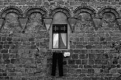 Buonconvento (MilleLuci) Tags: street white black muro window wall pants finestra siena toscana bianco nero buonconvento