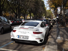 New Porsche Turbo S !! (98 Photography) Tags: auto street new windows sky horses horse cloud sun white black streets colour building cars window nature car wheel clouds buildings germany deutschland lights design licht automobile day colours stuttgart wheels 911 saturday himmel wolke wolken sunny s turbo porsche finepix nrw fujifilm autos carbon dsseldorf sonne gebude supercar schwarz leder germancar lichter horsepower supercars samstag knigsallee wheather luxurycar sportcar luxurycars carspotting kennzeichen sportcars licensplate horsepowers germancars 2013 hypercar worldcar worldcars hypercars lederbezug s4200 germanexoticcars vision:text=0541 vision:outdoor=0824 vision:car=066