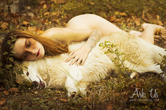 IX - La Jeune fille aux loups (Ark. Us.) Tags: autumn woman dog yellow forest naked husky wolf