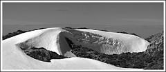 Duna de nive (Jose Antonio. 62) Tags: bw espaa naturaleza snow mountains blancoynegro nature beautiful photography spain asturias picosdeeuropa