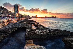 Havana Sunset (frasse21) Tags: city light sunset people sun house motion water long exposure day cloudy capital havana cuba le caribbean hdr kuba lahabana