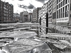 harbour on ice (Soenke HH) Tags: windows winter bw white black history ice water monochrome clouds composition reflections river germany deutschland photography canal harbour pov fenster tide hamburg wolken olympus kanal schwarzweiss hafen hdr elbe reflektion e5 ebbe selectivecolor häuser colorkey spiegelungen floes philharmony eisschollen schollen swd1260 elbphilharmony