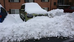 Kia Soul snow removal (SchuminWeb) Tags: county winter urban snow storm green cars car silver out spring md ben digging web alien hill snowstorm maryland vehicles soul vehicle montgomery kia february aspen removal suv storms silverspring clearing crossover 2014 aspenhill xuv schumin schuminweb
