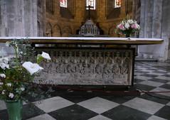 Bordeaux, Gironde: église Sainte Croix (Marie-Hélène Cingal) Tags: france church 33 bordeaux iglesia altar chiesa église autel sudouest aquitaine gironde églisesaintecroix