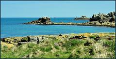 0504 sein (cbibi35) Tags: iledesein îledesein sein île ile bzh breizh bretagne 29 finistere mer rocher phare pixelbreizh