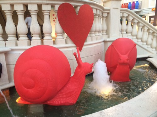 Cocowalk displayed the famous snail sculptures courtesy of Ca d'oro Galleria