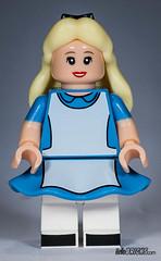 Lego 71012 - Minifigures (gnaat_lego) Tags: ariel lego stitch buzzlightyear alice review peterpan disney syndrome mickeymouse minniemouse aladdin ursula donaldduck genie cheshirecat mrincredible captainhook maleficent daisyduck 71012 gnaat pizzaplanetalien collectableminifigures hellobricks