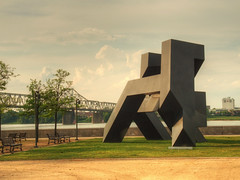 Gracehoper (Cocoabiscuit) Tags: sculpture kentucky ky olympus louisville waterfrontpark em5 tonysmith cocoabiscuit