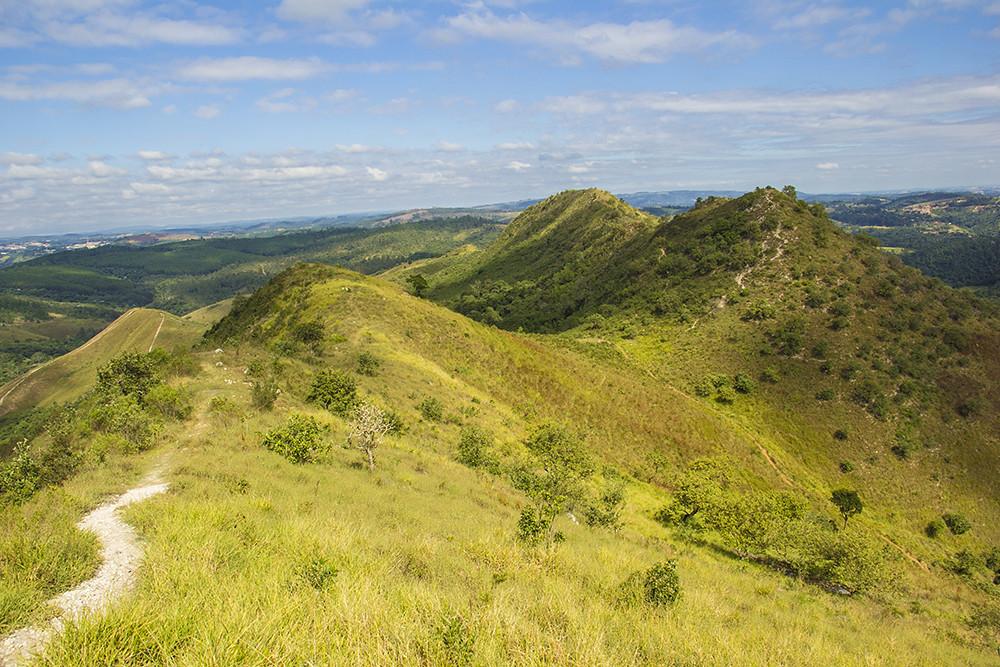 Trilha Morro do Sabóo - morros vizinhos e trilha