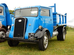1947 Fordson 7V (andrewgooch66) Tags: heritage classic truck vintage lorry commercial vehicle fordson 7v gaydon2016