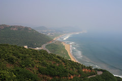 Vizag bay view.jpg (melissaenderle) Tags: bayofbengal vizag ocean andhrapradesh travel asia