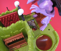 IMG_2567b (jedipatrick7) Tags: dragons fangs fortress playset dungeons advanced ljn