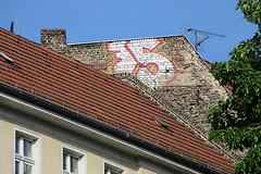 75 - Urbanstrae (unterwegs_in_berlin) Tags: rooftop kreuzberg 75fnfundsiebzigseventyfiveberlingraffitidach