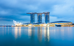Marina Bay Sands Hotel, Singapore (samyaoo) Tags: night singapore long exposure merlion marinabay    gardensbythebay marinabaysands  artsciencemuseum