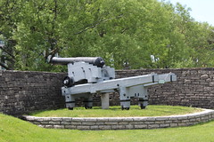 18 Pounder Gun (jmaxtours) Tags: fort broadarrow muzzleloader ordnance fortyork smoothbore historicfortyork fortyorktoronto 18pounder traversingcarriage 18poundergun artilleryday fortyorkartilleryday samuelwalkercompanyofrotherhamengland