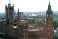 London Parliament Building (lisafree54) Tags: england building london clock architecture britain towers free bigben structure cco parliamentbuilding freephotos