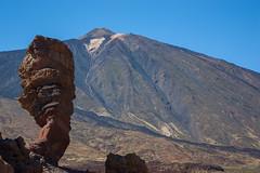 Roque Cinchado - Tenerife (gasendi) Tags: espaa naturaleza canon spain paisaje roque tenerife teide volcan paraje lavas eos450d cinchado gasendi