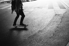 s.K.a.T.e.r (gato-gato-gato) Tags: street leica summer bw white black film blanco monochrome analog 35mm person schweiz switzerland flickr noir suisse strasse zurich negro streetphotography pedestrian rangefinder human streetphoto monochrom zrich svizzera weiss zuerich blanc summilux ilford m6 manualfocus analogphotography schwarz ch onthestreets passant mensch sviss leicam6 zwitserland isvire zurigo filmphotography streetphotographer homedeveloped fussgnger aspherical manualmode zueri strase filmisnotdead streetpic leicasummilux35mmf14asph messsucher manuellerfokus gatogatogato fusgnger leicasummiluxm35mmf14 gatogatogatoch wwwgatogatogatoch streettogs believeinfilm tobiasgaulkech