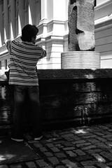 XT1-06-21-15-426-2 (a.cadore) Tags: fujifilmxt1 fujifilm xt1 zeissbiogon28mmf28 biogont2828 zeiss carlzeiss newyorkcity nyc uptown ues themetropolitanmuseumofart metropolitanmuseum metmuseum museum met candid blackandwhite bw