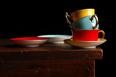 Tea with Mondrian (Studio d'Xavier) Tags: stilllife primarycolours pietmondrian strobist werehere cupssaucers