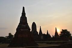 _DSC0357 (lnewman333) Tags: sunset sea river thailand temple seasia southeastasia buddhist unescoworldheritagesite ayuthaya ayutthaya chaophrayariver 1460 watchaiwatthanaram kingprasatthong