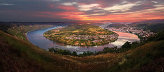 GedeonsEck (Reinis Crulis) Tags: morning sunset clouds sunrise river germany landscape deutschland evening magenta samsung galaxy vista horseshoe blink rein landschaft s4 boppard gedeonseck