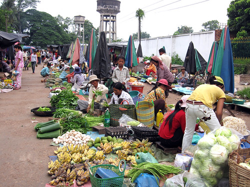 Fruit and vegetable market in Cambodia. Photo by Jharendu Pant, 2009.