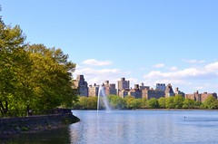 The Reservoir, 05.12.13 (gigi_nyc) Tags: nyc flowers nature spring centralpark turtlepond themall shakespearegarden thereservoir