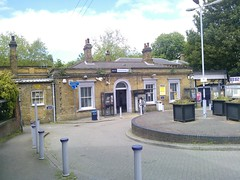 Catford Bridge station (Chairman Pip) Tags: catford southeastern