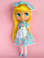 Lemon Curd (Helena / Funny Bunny) Tags: doll blythe lemoncurd rbl funnybunny solidbackground lcphoto mrsretromama fbfashion