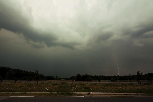 storm chase lightning