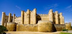 Valencia de Don Juan (SBA73) Tags: espaa tower castle wall spain torre wideangle medieval schloss fortress len middleages muralla castillo defences spanien chateaux castell castilla acua granangular espanya spagne valenciadedonjuan castillaleon coyanza