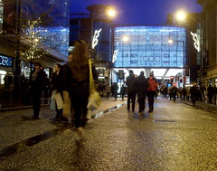 Down on the street at Manchester (Tony Worrall) Tags: county christmas street xmas city people urban wet festival festive season fun lights glow northwest candid seasonal north visit christmaslights rainy enjoy shops bulbs lit northern shoppers damp arndalecentre gather frontage 2013tonyworrall