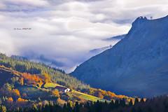 Gatzaieta Saibitik (Jabi Artaraz) Tags: light luz landscape sony paisaje amanecer zb bizkaia niebla saibi bruma argia urkiola euskoflickr duranguesado jartaraz alfa350 gatzaieta paisia durangaldean