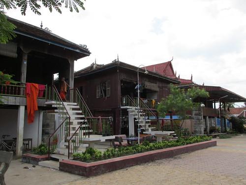 Hébergés chez des moines, Kratie, Cambodge