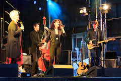 4 Mei Concert Almere (H. Bos) Tags: concert grotemarkt almere dodenherdenking almerestad mathildesanting 4meiconcert jennielena 04052016