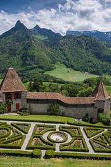 Jardin de Chateau (www.chriskench.photography) Tags: travel schweiz switzerland europe suisse fujifilm fribourg ch gruyres 18135 xt1 kenchie wwwchriskenchphotography