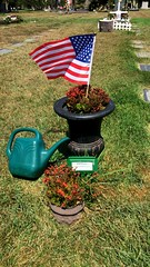 Kim Fowley grave (mercycube) Tags: musician grave urn americanflag pottedplants 70s glamrock hollywoodforever controversial kimfowley musicproducer rockmusician celebritygrave therunaways